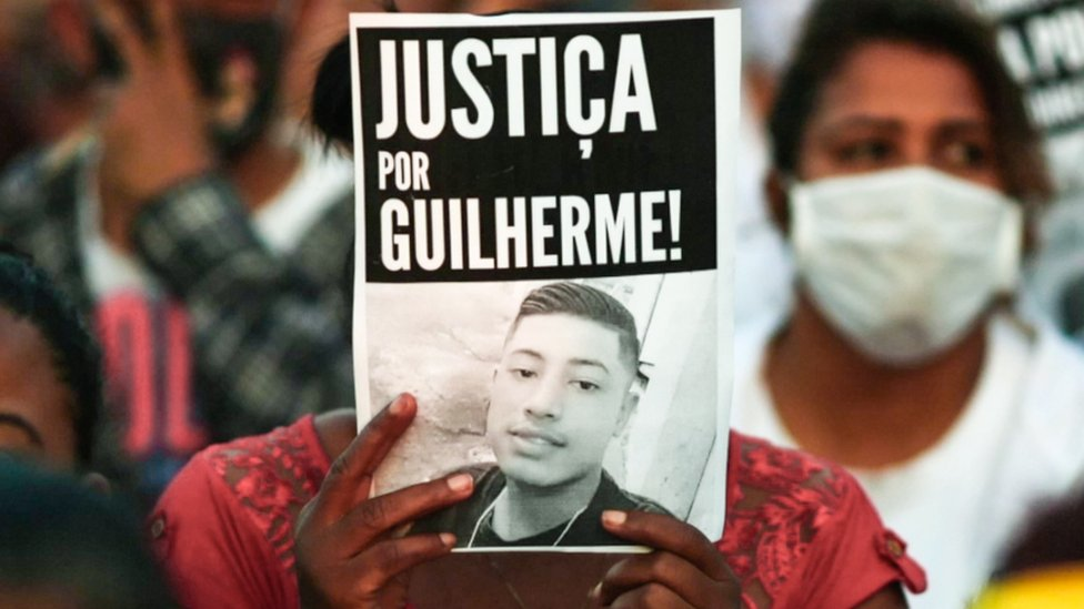 Protesters rally against the murder of Guilherme Guedes