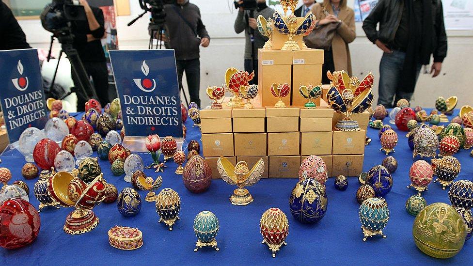 Sotni poddelьnыh яic Faberže