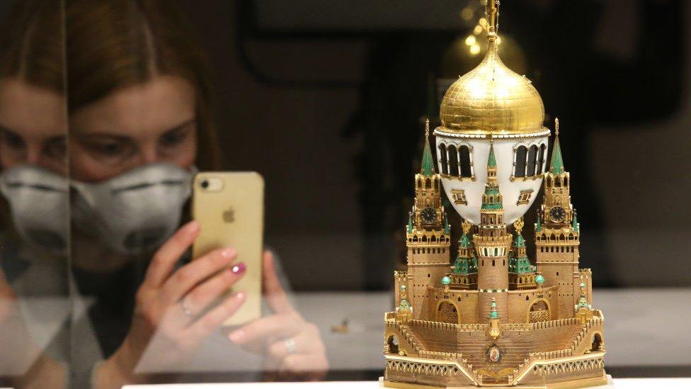 Vыstavka v Muzeяh Kremlя