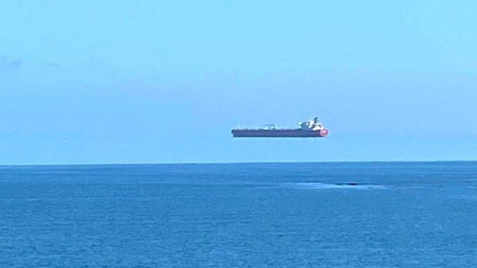 """Lebdeći brod"" fotografisan u blizini engleske obale 2"
