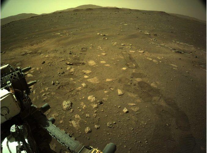 """NASA i sletanje na Mars: Rover """"Istrajnost"""" u prvoj vožnji Crvenom planetom 3"""