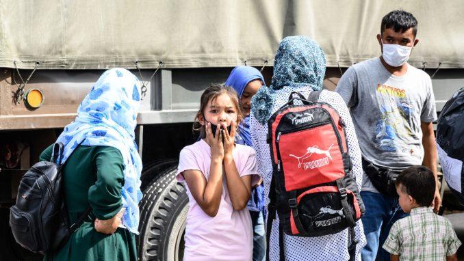 Hiljadama izbeglica preti opasnost da ostanu na ulici 3
