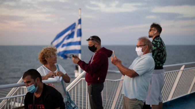 Tokom noći četiri autobusa otišla put Grčke 4