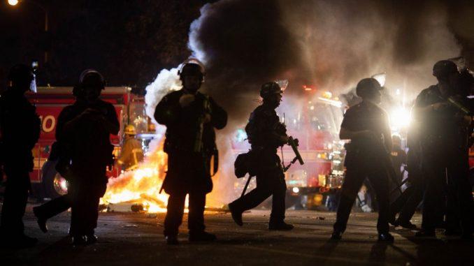 U sudaru u južnoj Kaliforniji najmanje 13 ljudi izgubilo život 4