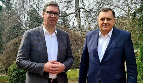 Vučić i Dodik: Stručnjaci iz RS će raditi na pisanju udžbenika iz srpskog, istorije i geografije 6