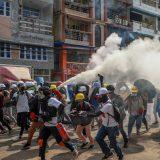 Ubijeno najmanje devet demonstranata 8