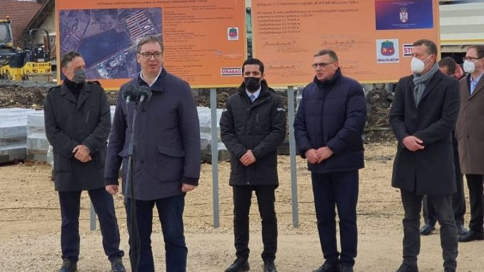 Momirović: Vučić je kao kralj Aleksandar i knez Miloš 5