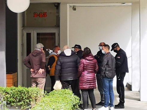 Peticija protiv bašte kafića na zelenoj površini u Bulevaru kralja Aleksandra (FOTO) 5