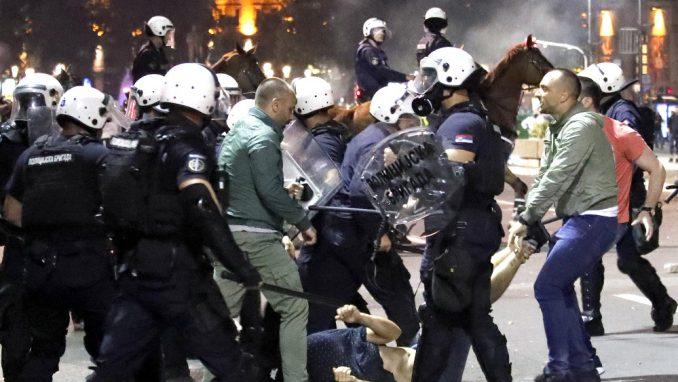 Čak 36 krivičnih prijava zbog brutalnosti policije na julskim protestima 5