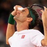 Federer se povukao sa Rolan Garosa 15