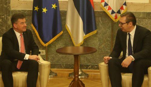 Vučić: Srbija spremna na nastavak dijaloga kad bude pozvana u Brisel 6