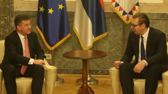 Vučić: Srbija spremna na nastavak dijaloga kad bude pozvana u Brisel 3