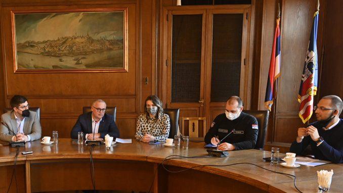 """Vesić: Dogovoreno da predstavnici """"ivent"""" industrije rade na pripremi mera 4"""