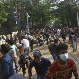 Snage bezbednosti Mjanmara pucale na okupljene tokom sahrane 2