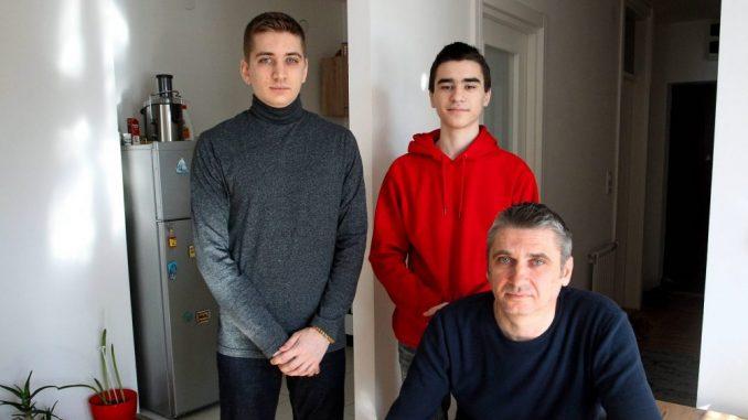 Braća Đurić žive u iznajmljenom stanu, a osvajaju nagrade za znanje 4