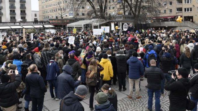 Protest protiv restriktivnih mera u Stokholmu 3