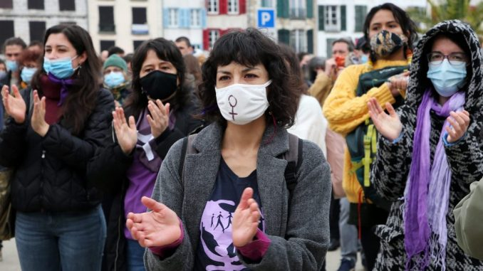 U Francuskoj skupovi žena protiv nejednakosti 3