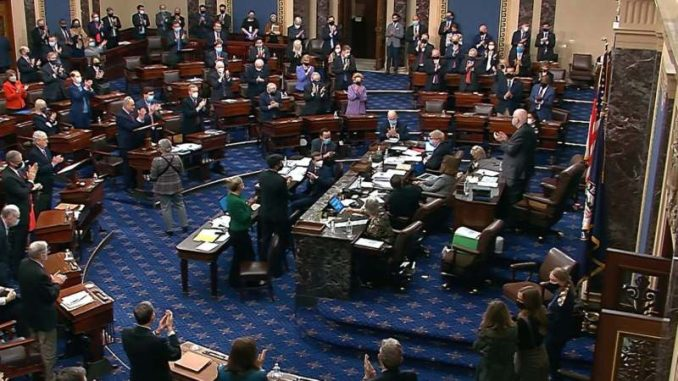 Senat SAD usvojio paket pomoći zbog pandemije 2