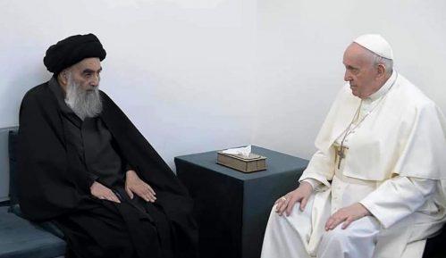 Papa Franja i ajatolah Al-Sistani poslali zajedničku poruku mirnog suživota muslimana i hrišćana 6