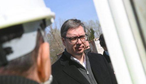 Vučić na otvaranju petlje Batajnica: Urađeno 3,5 kilometara saobraćajnice za 8,8 miliona evra 7