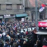 """Ujedinjeni protiv kovida: Protest i kolo oko spomenika Stefanu Nemanji """"sumrak pameti"""" 14"""