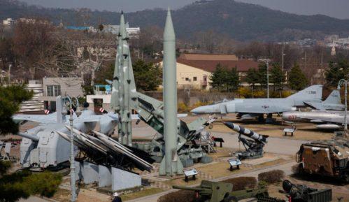 Severna Koreja ispalila dve rakete kratkog dometa 2
