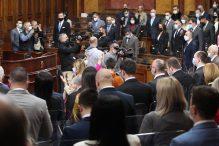 Počelo redovno prolećno zasedanje: Poslanici pitali o dijalogu, zdravstvu, saobraćaju i mafijaškim klanovima (FOTO) 4