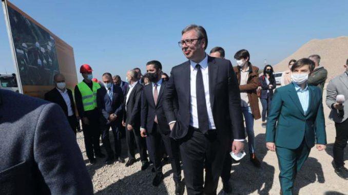 Vučić: Zahtev opozicije da uređuje RTS besmislen, smeju mu se u Evropi i svetu 5