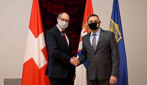 Vulin ambasadoru Švajcarske: Srbija će aktivno raditi na sprečavanju ulaska Kosova u Interpol 2