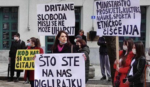 Protest studenata i profesora Fakulteta za crnogorski jezik na Cetinju, sprečen incident 10