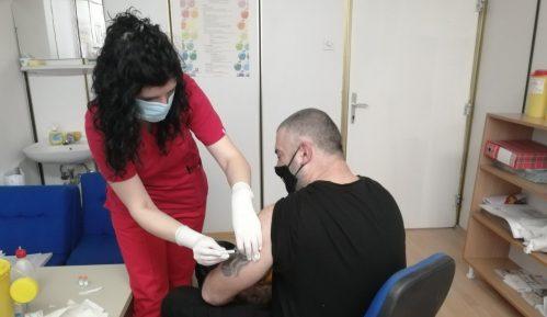 Do sada u Kladovu vakcinisanoviše od šest, a u Majdanpeku blizu 4.000 građana 8