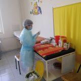 U Crnoj Gori počela masovna vakcinacija, stigle prve doze Fajzer vakcina 11
