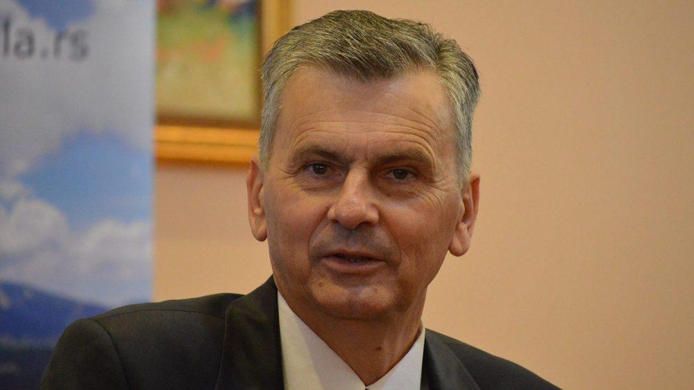Stamatović: Patrijarh Porfirije i Sinod da se presele u Pećku patrijaršiju 1