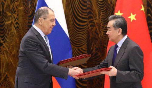 Moskva i Peking negiraju oportunizam po pitanju vakcina 6