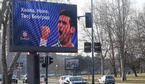 Građani na Novom Beogradu pozdravili Đokovića (VIDEO) 3