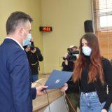 Potpisani ugovori o stipendiranju najuspešnijih studenata iz Pirota 8
