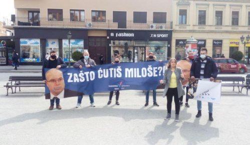 """Vučević u društvu spornih """"biznismena"""", omladina Narodne stranke traži objašnjenje 7"""