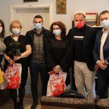 Mozzart i FK Crvena zvezda u poseti sigurnoj kući, Stanković i Gajić pružili podršku ženama 6
