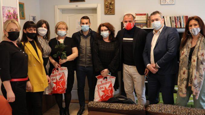 Mozzart i FK Crvena zvezda u poseti sigurnoj kući, Stanković i Gajić pružili podršku ženama 4