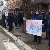 Protest u Kosjeriću tokom posete Brnabić 13