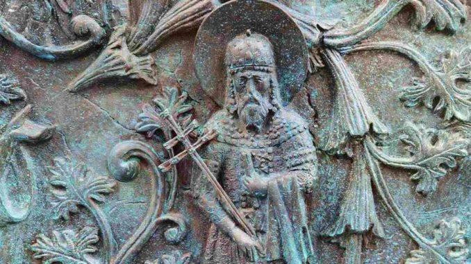 Vesić: Obnovljen krst na mozaiku na spomeniku Stefanu Nemanji 5