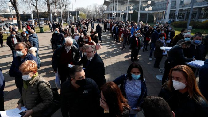 Ujedinjeni protiv kovida kritikovali pozivanje stranih državljana na vakcinaciju u Beograd 3
