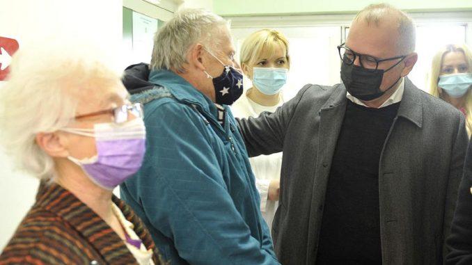 Vesić: Svaki peti punoletni građanin u Beogradu revakcinisan 5