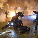 Policijsku stanicu u Atini napali mladi koji protestuju zbog policijskog nasilja 8