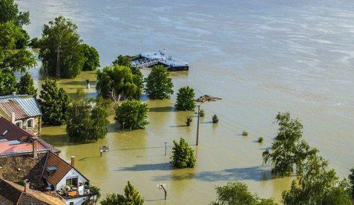 Evakuacije na istočnoj obali Australije posle poplava i kiša koje su premašile rekorde 3