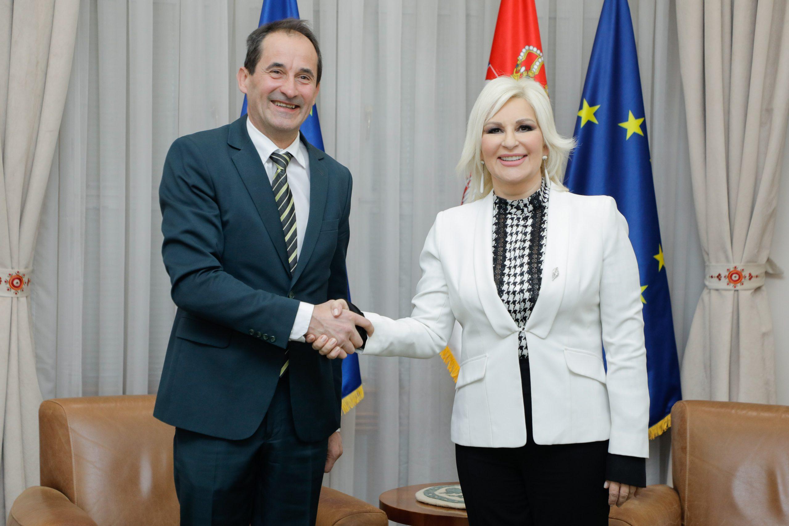 Mihajlović: Dobra saradnja sa Energetskom zajednicom, radićemo zajedno i na dekarbonizaciji i klimatskim promenama 1