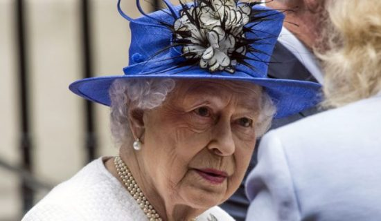 "Britanska kraljica nakon pregleda vratila se u zamak ""dobre volje"" 13"