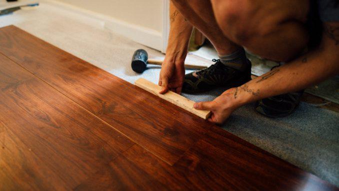 Laminatni podovi: Dugotrajno i ekonomično rešenje za svaki prostor 3