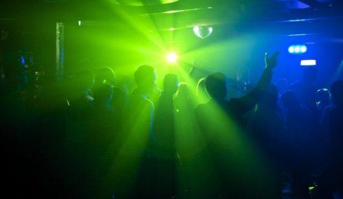 """Učesnici korona žurki: Provod bolji kad je """"zabranjen"""" 6"""