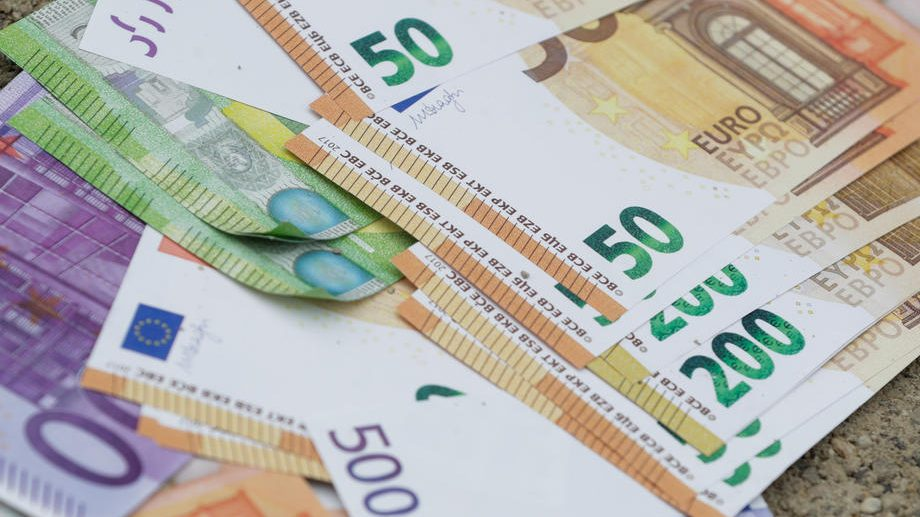 Ekonomija u evrozoni ušla u recesiju 1